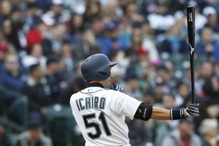 Legendary Ichiro Steps Off the Field
