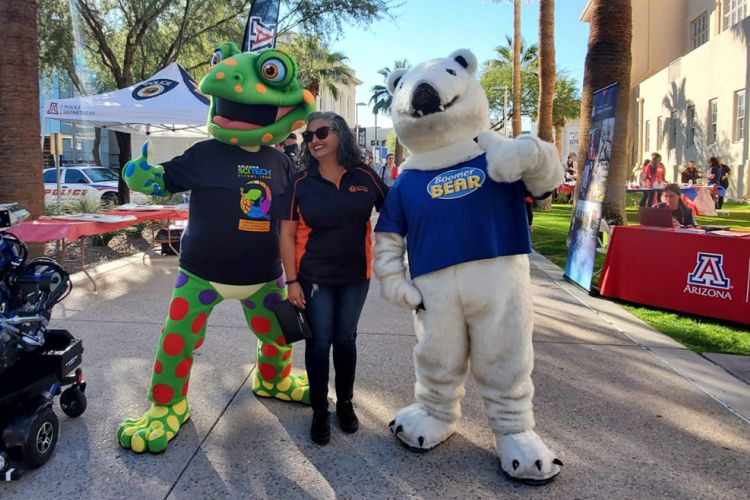 Nova, the new mascot for the festival, made his appearance alongside Boomer Bear!